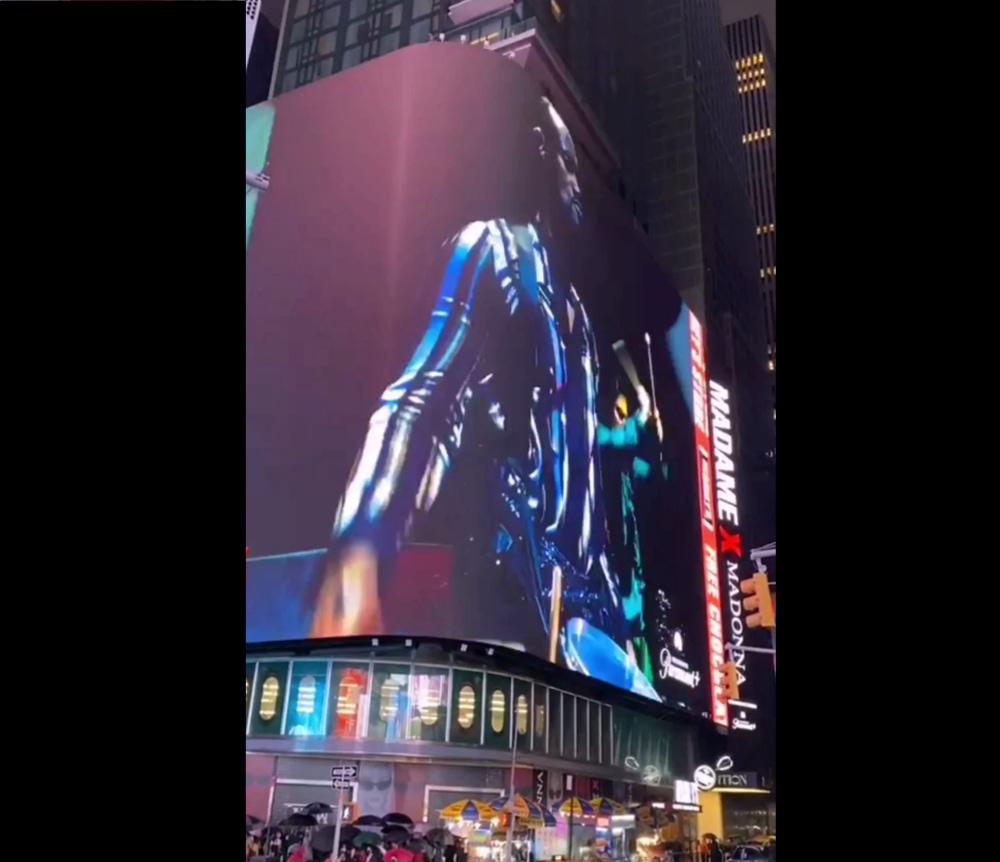 Hello Times Square!